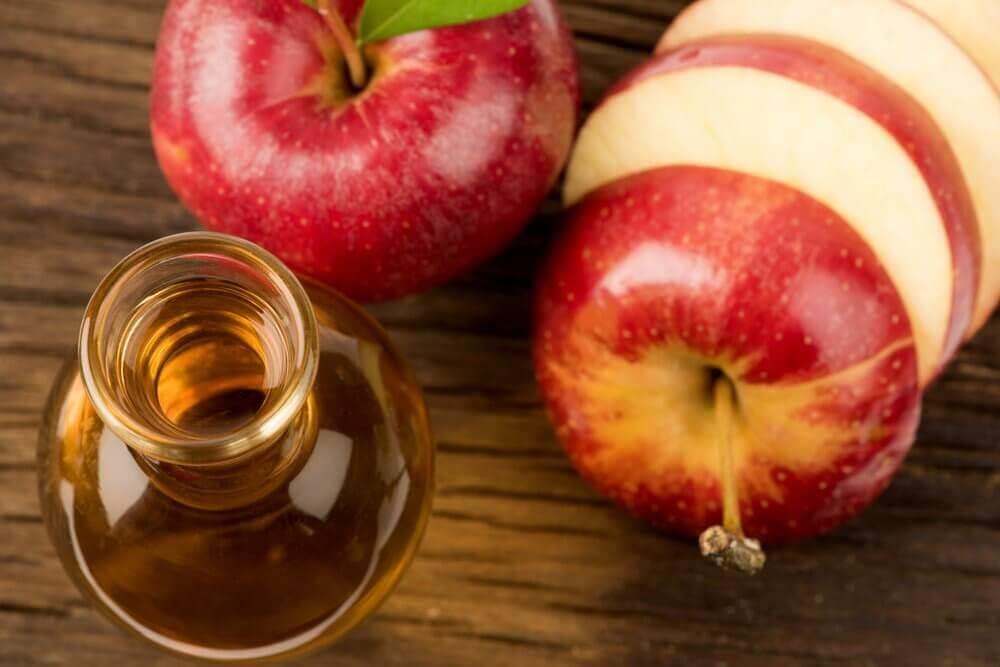 Eplecidereddik og honning er en av flere behandlinger mot forkjølelsessår