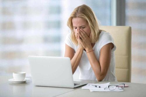 Disse 6 vanene forbitrer livet ditt