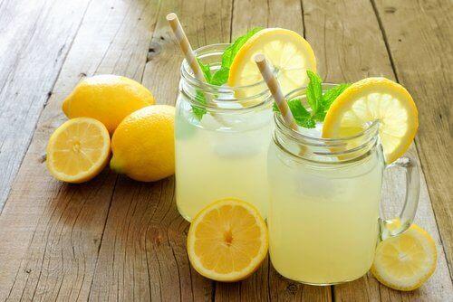 8 fordeler med å drikke limonade regelmessig