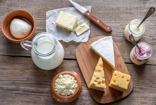 Melk eller meieriprodukter