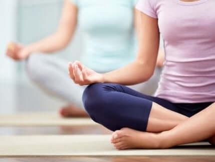 yogastillingene for ryggsmerter