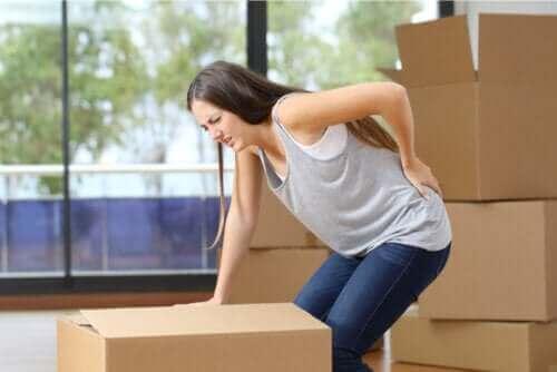 Hva er årsakene til lumbago (smerter i korsryggen)?