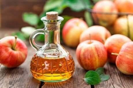 Applecidereddik er et annet flott alternativ for å behandle barberingsutslett.