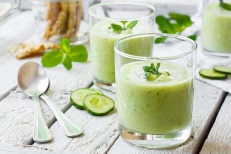 Grønnkål, selleri og agurkjuice