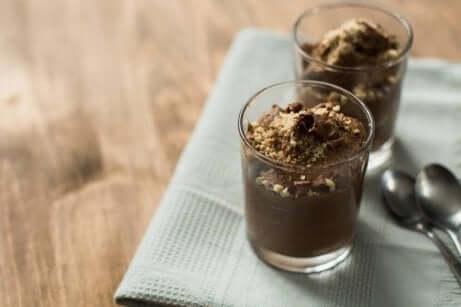 Myk tofu- og sjokoladesmoothie for å øke proteininntaket ditt