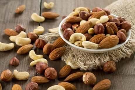Tørket frukt inkluderer frø som inneholder godt og sunt fett