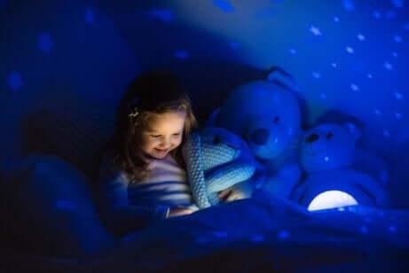 Barn med stjerner i taket
