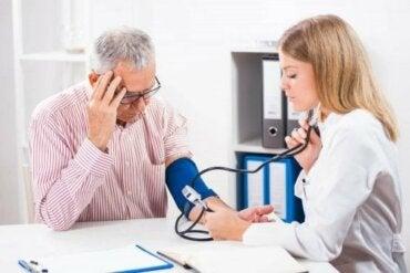 Hypotensjon: Slik kan du heve lavt blodtrykk på en sunn måte
