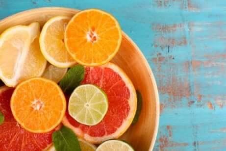 Mangel på vitamin C forårsaker tørr hud