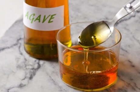 Agavesirup er et godt alternativ for å unngå sukker i kostholdet ditt