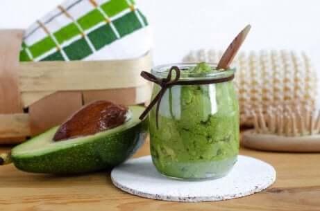 Banan og avokado for tørr hud
