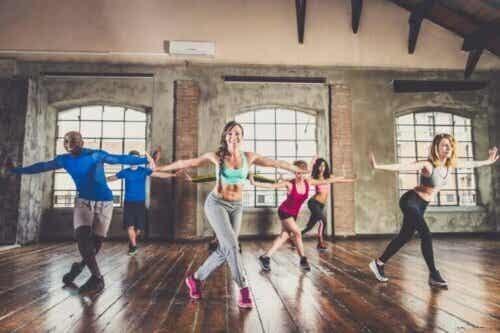 Dansekardio for å komme deg i form