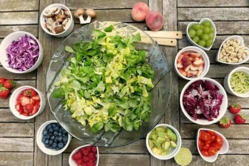 Seks oppskrifter på raske og enkle salater