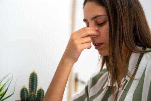 Septumperforasjon: Årsaker, symptomer og behandling