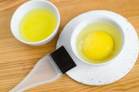 hårbehandling av egg, appelsin og banan