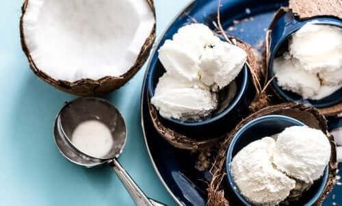 Melkefri is med kokosnøtt.