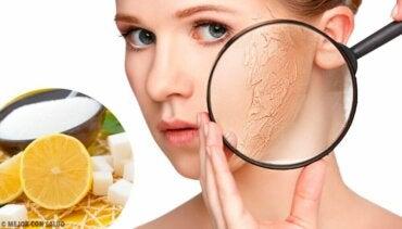 Peeling for tørr hud: Lag din egen kroppspeeling