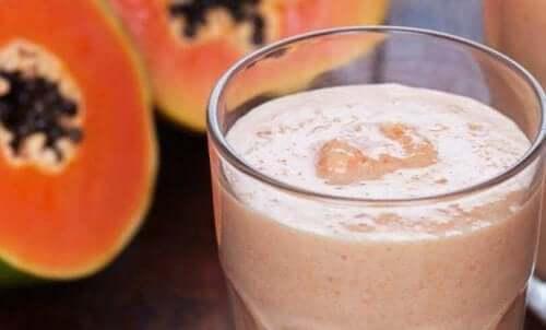 Smoothie med papaya og chia