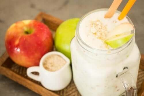 Smoothie med eple og havre