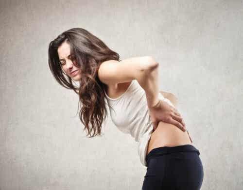 Enkle øvelser mot forskjellige ryggsmerter