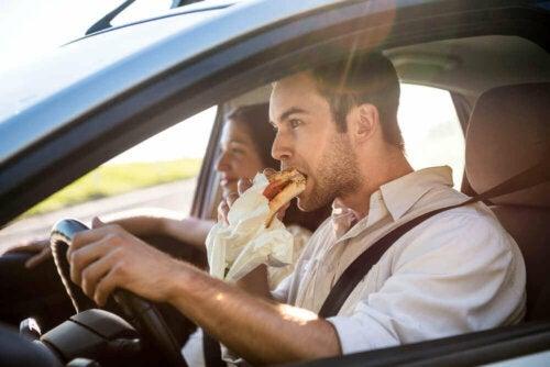 Spis godt når du kjører.