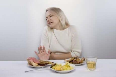 En kvinne som ikke har lyst på mat