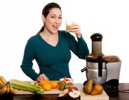 Grønnsaksjuicer som hjelper deg med å komme deg etter overspising