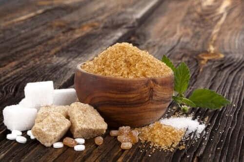 Hvitt, brunt og muscovadosukker: Likheter og forskjeller