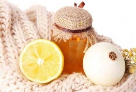 Løk og honning kan hjelpe mot brysttetthet