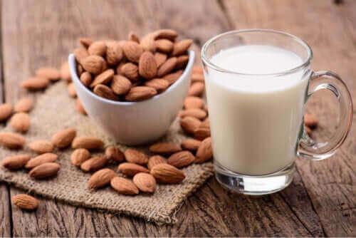 Mandelmelk for barn: Fordeler og ulemper