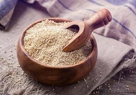 En skål quinoa