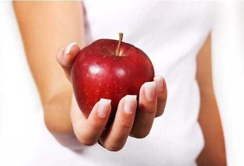 De vanlige produktene som-et eple kan være skadelig.