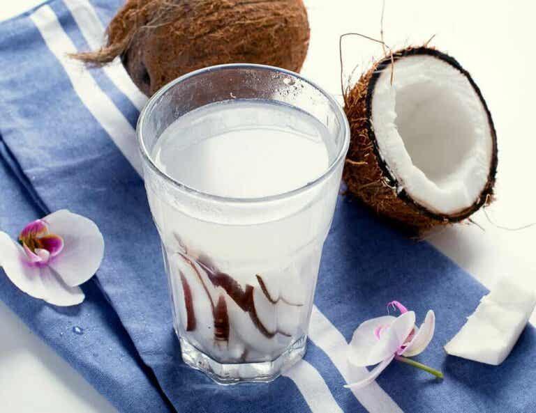De 8 fantastiske fordelene med kokosnøttvann