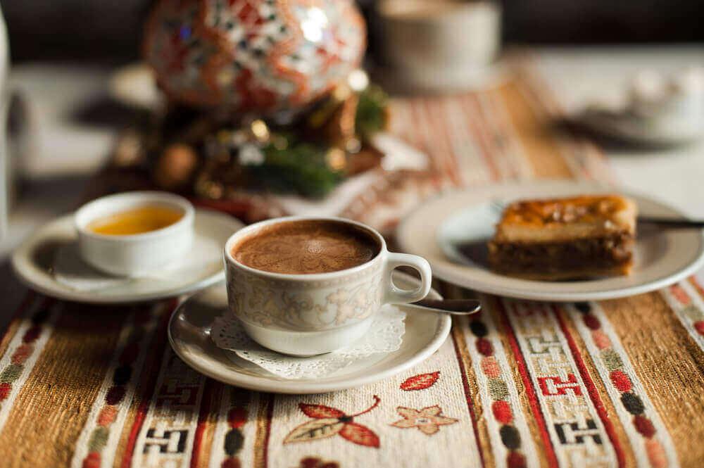 kaffe og brus er matvarer som forverrer cellulitter