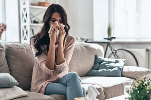 En kvinne med allergi.