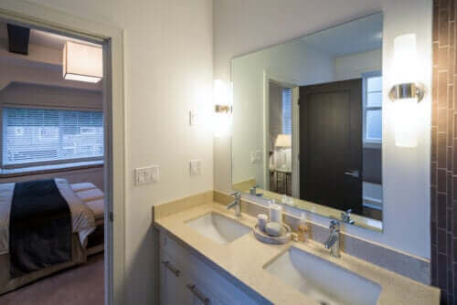 Ideer for å pusse opp området rundt baderomsvasken