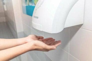 Offentlige håndtørkere kan være kontraproduktive