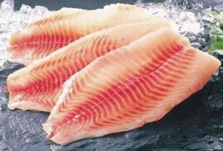 Underkokt fisk