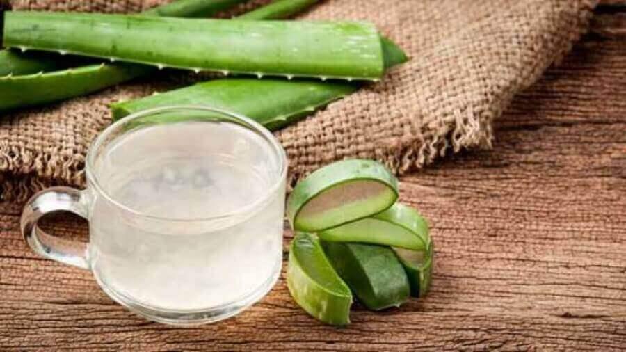 Aloe vera-drikk som kan brukes til å behandle spiserørsbetennelse