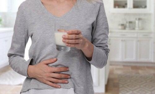 Et av symptomene på magesår.