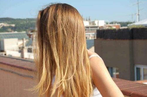 For mye sol er ikke bra for helsen til håret.