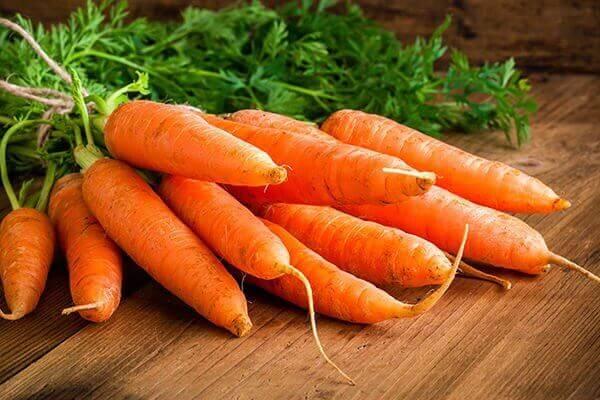 spis gulrøtter for å ta vare på huden din