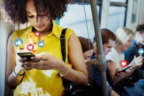 Sosiale medier: Fordelene og ulempene
