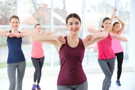 kvinner som trener sammen