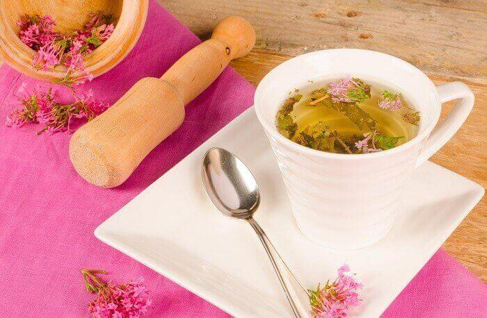 Legevendelrot-te for å få en god og fredfull søvn
