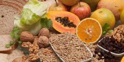mat rik på fiber for å kontrollere kolesterol
