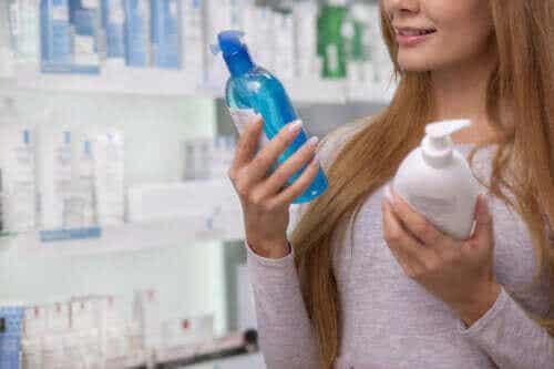 Hvordan lese og forstå etiketter på kosmetiske produkter