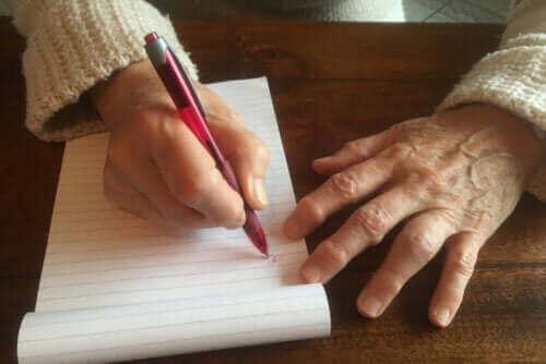 Træl på grunn av skriving: Årsaker og behandlinger