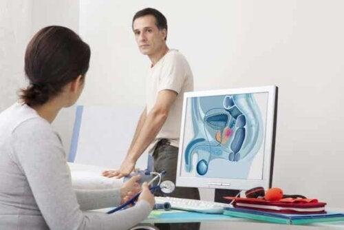 En mann hos urologen