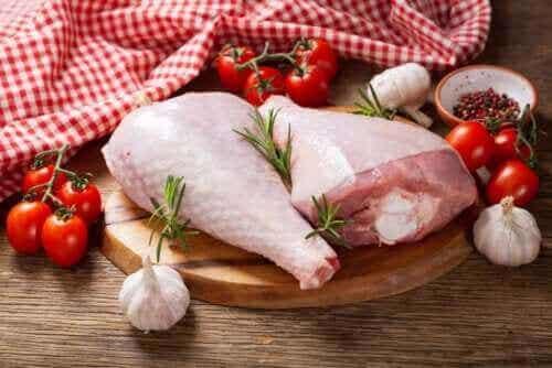 Hva er forskjellene mellom kalkun- og kyllingkjøtt?
